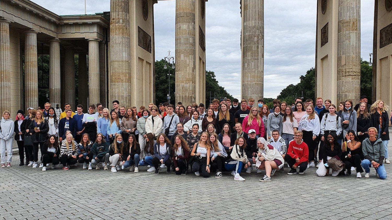 Endlich wieder auf Fahrt!  Fünf Leistungskurse des Mariengymnasiums besuchten Berlin