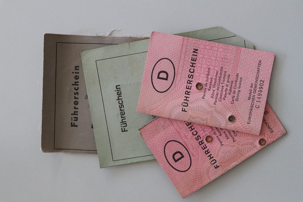 Frist zum Umtausch auf EU-Führerschein läuft: Erste Papierführerscheine ab 2022 ungültig